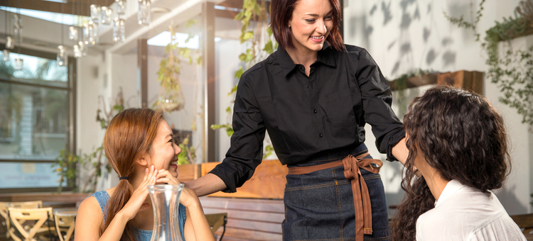 3eb59e2cdae9 9 Tips for Dealing with Customers Who Won t Leave - Buzztime