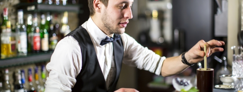 Top 5 Bartending Tricks to Impress Guests